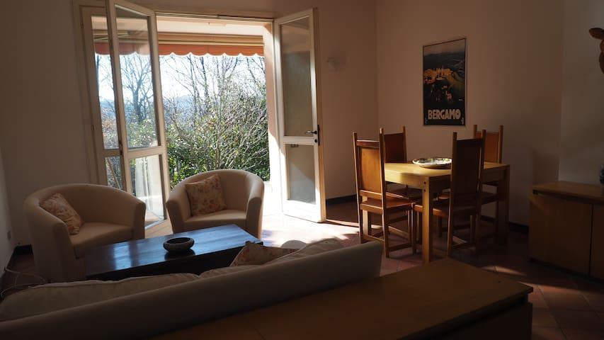 Relax a due passi dalla città - Bèrgam - Casa