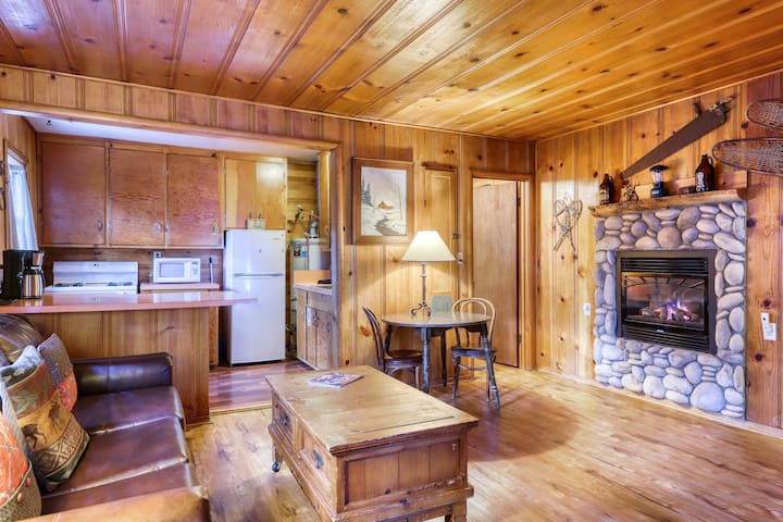 Dog-friendly rustic cabin w/ soothing shared hot tub; fenced grounds; trails