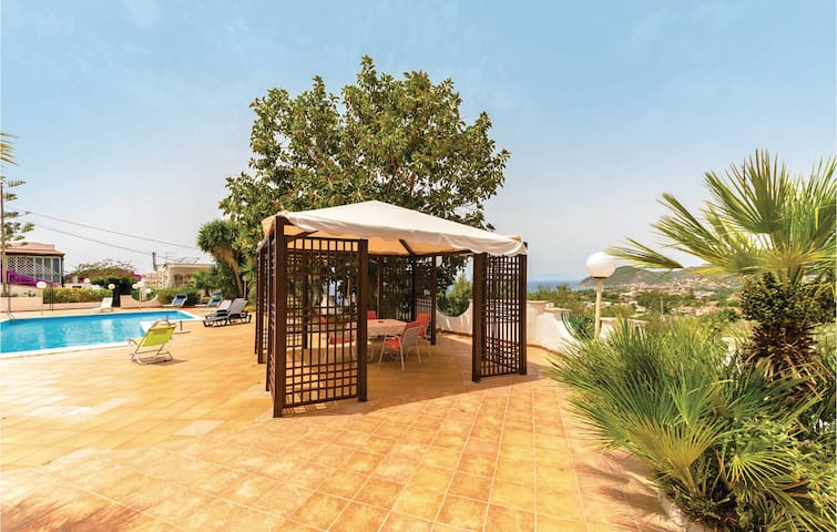 Holiday cottage with 5 bedrooms on 200 m² in Castellabate SA