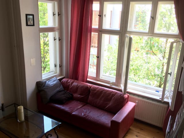 big cosy room in Berlin Wilmersdorf