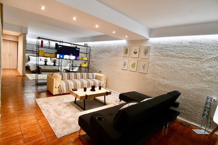 Comfortable, spacious studio flat @ Kolonaki