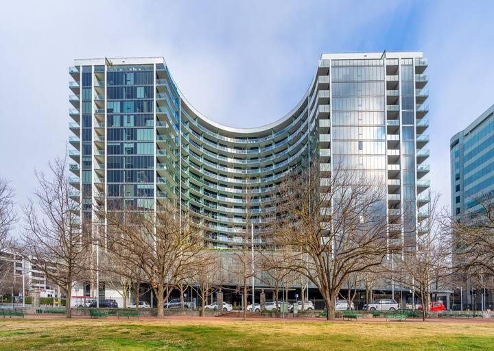 Inner City Living 1BR/2BA Apartment