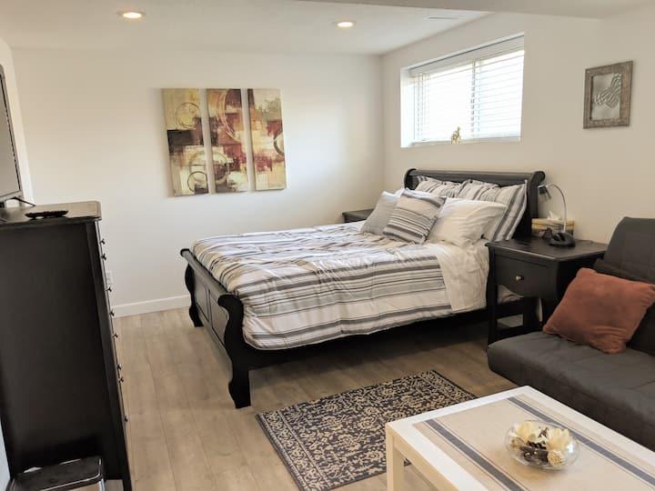 Bownesian Retreat 2020. 2 bedroom suite.