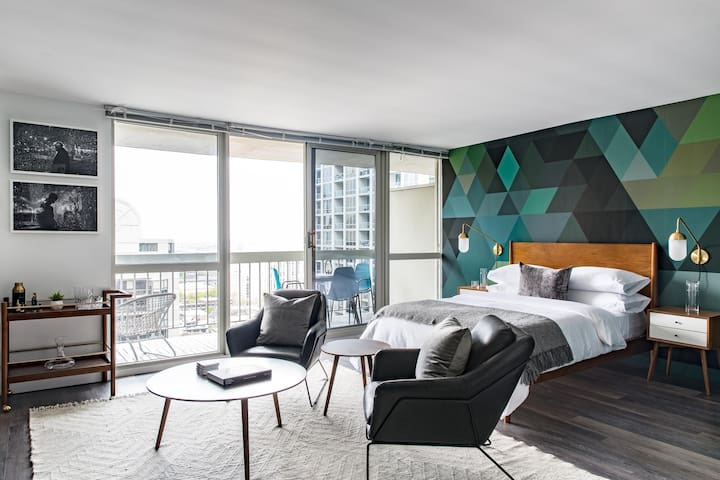 Stunning Studio | Balcony | Gold Coast by Lyric