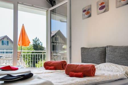 Schlafen im Zürcher Oberland II - Pfäffikon - ที่พักพร้อมอาหารเช้า