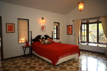 Inner Temple - Room with a Balcony in North Goa - Moira