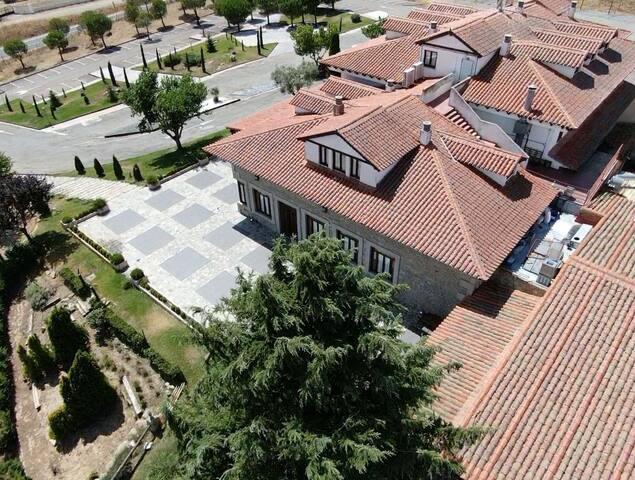 PRECIOSO HOTEL GASTRONOMICO A 17 KM DE SALAMANCA