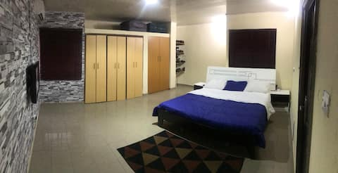 ★ Spacious, Comfy, K/Size Bed,WIFI, Private Bath ★