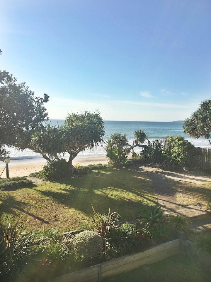 Fin's at Sapphire Beach-absolute beachfront house!