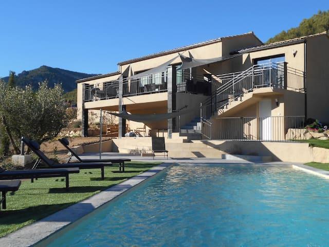 Magnifique Villa moderne  avec piscine privée