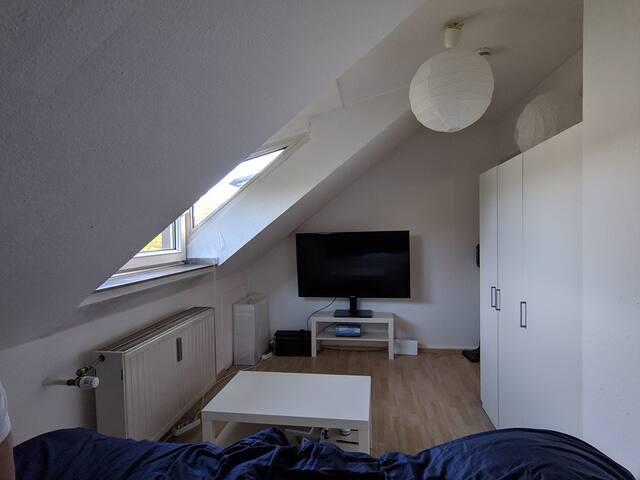 Helles Apartment, direkte Verbindung zur Messe