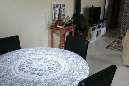 Linda casa a 40min de POA e à 1h de Gramado/Canela - Guesthouse