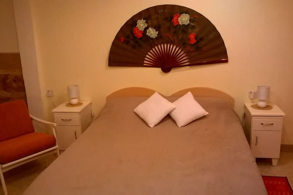 Air-conditioned cool/heat bedroom with ensuite bathroom
