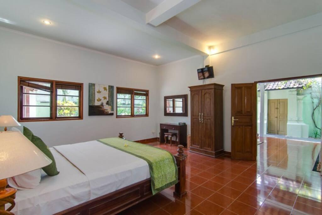Villa III - Book 1 Bedroom Only, Sleeps 2 guests