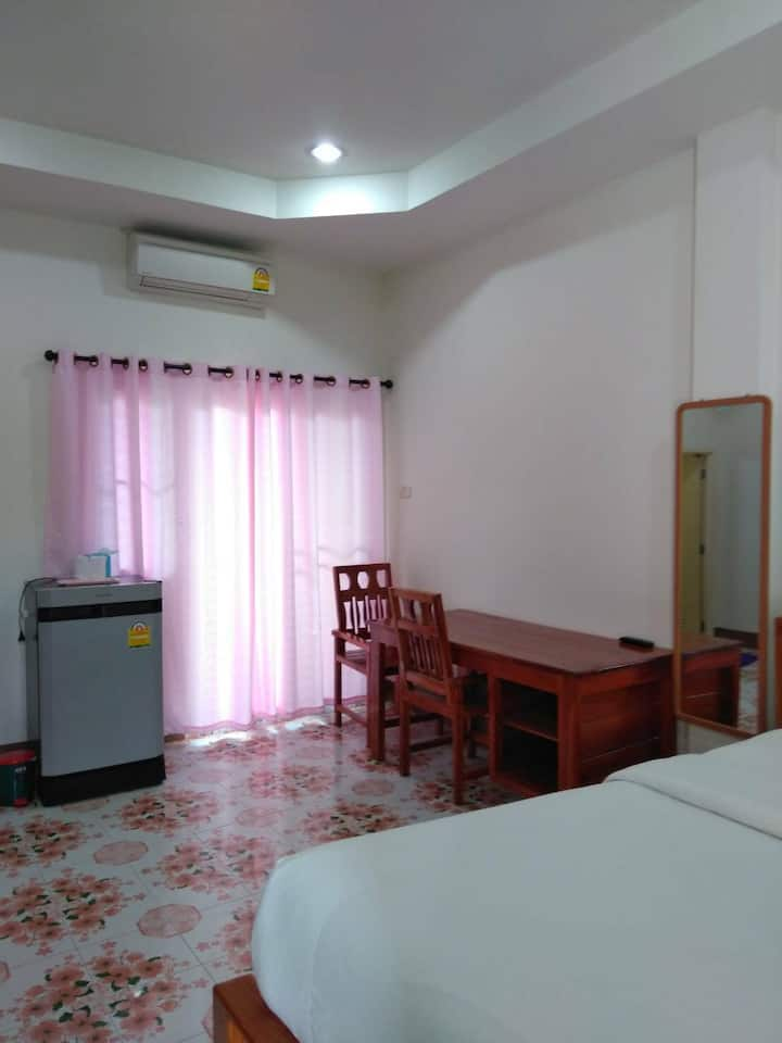 Thanaree Residence