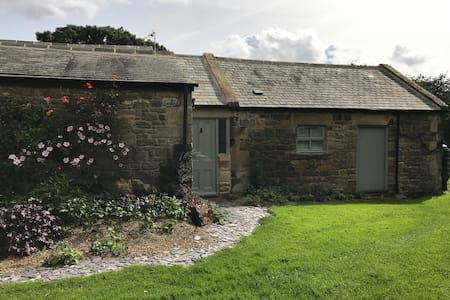 Spacious Barn annexe-some self catering facilities