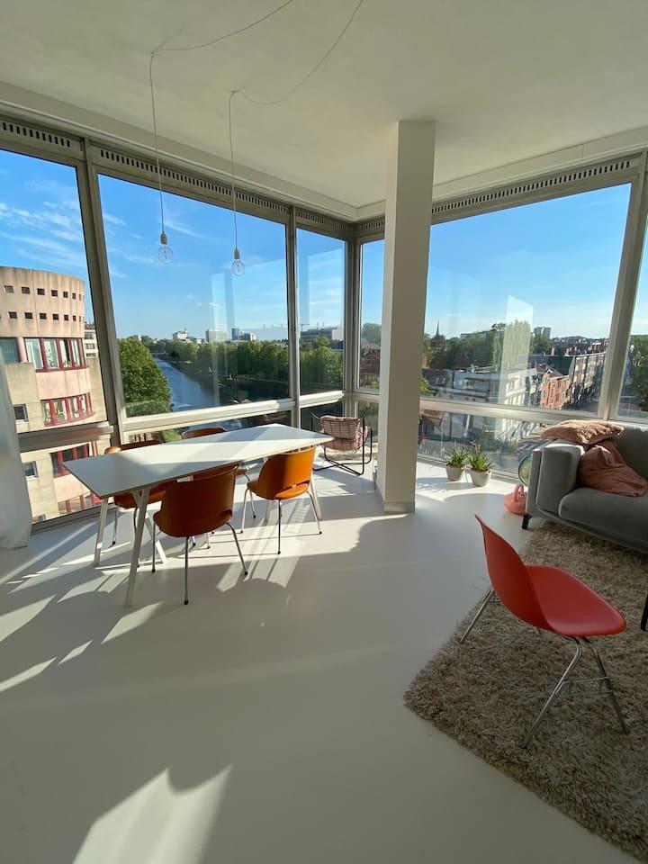 Mini loft with maxi view