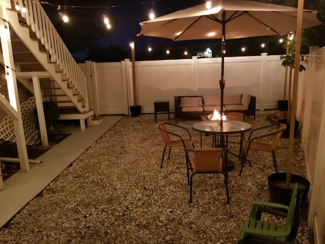 Hidden Gem w/ Private Balcony & Yard *20minJFK*