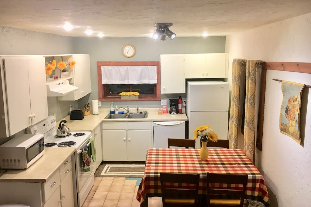 Downtown digs apartments for rent in bozeman montana united states for One bedroom apartments in bozeman mt