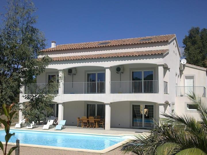 Villa 300m2  piscine chauffée Ajaccio/Porticcio