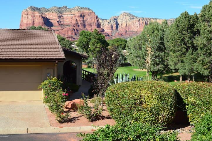 Red Rock views at Canyon Mesa Country Club