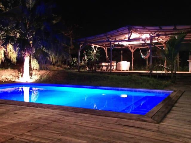 Villa piscine jacuzzi 8 personnes