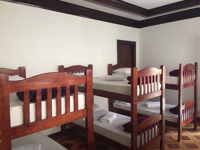 Hostel Paulista - Quarto compartilhado 8 pessoas