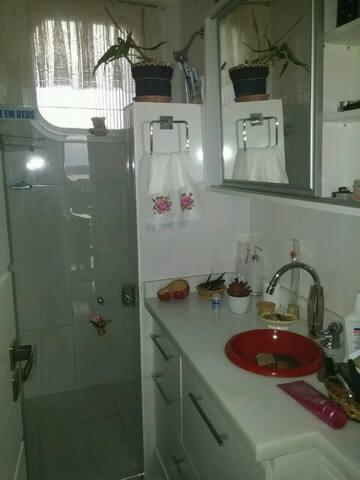Apartamento familiar, arejado,e ventilado.