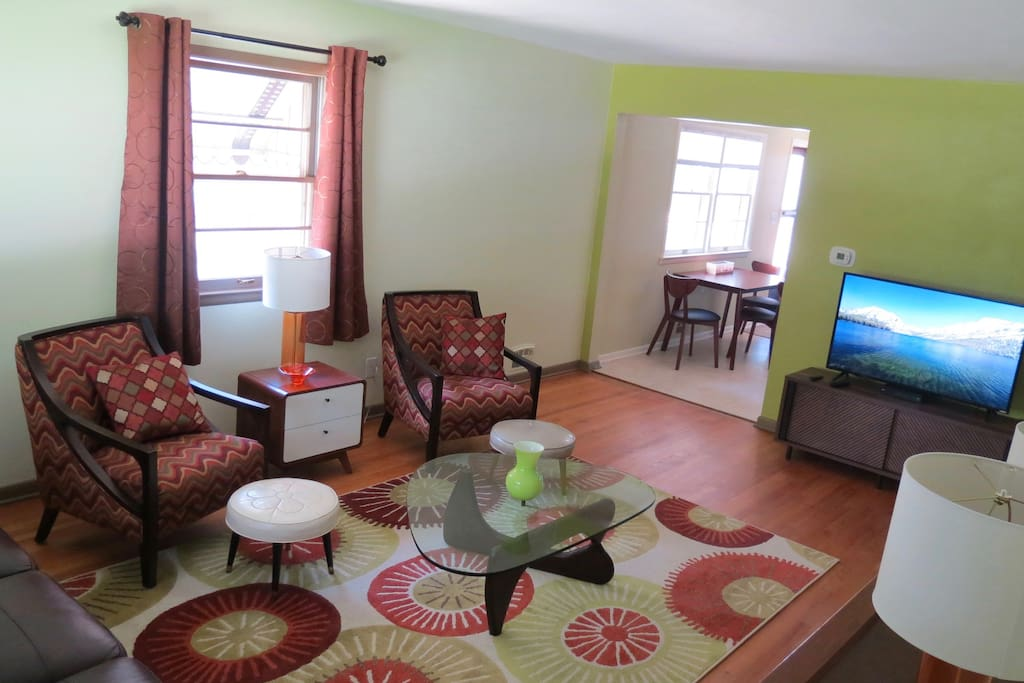 """Fun and bright living room with 48"""" TV"""