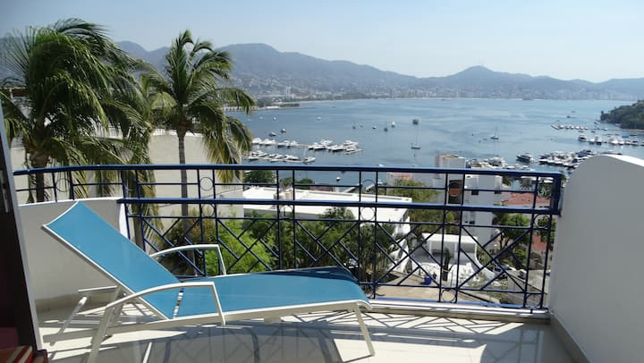 Apartment near Caleta (Downtown Acapulco)