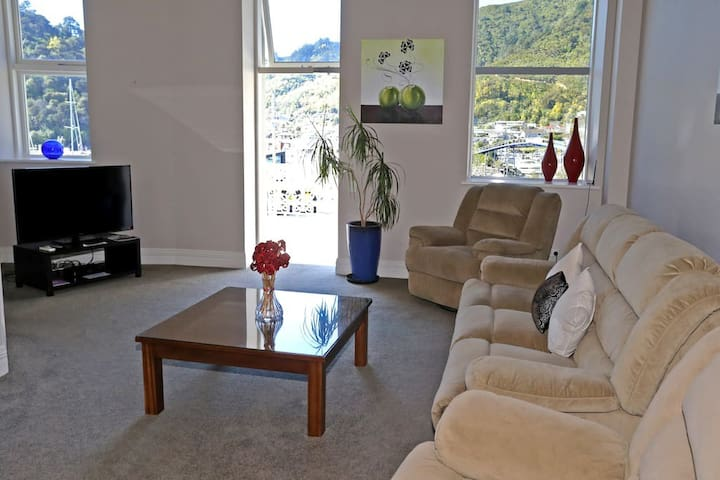 Oxley Two Bedroom Seaview Apartment