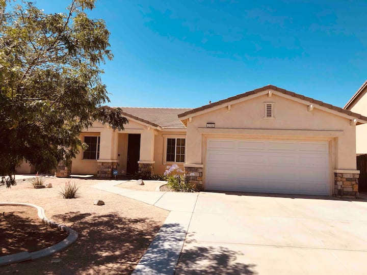 Warm, Comfy Family Home, Beautiful West Community