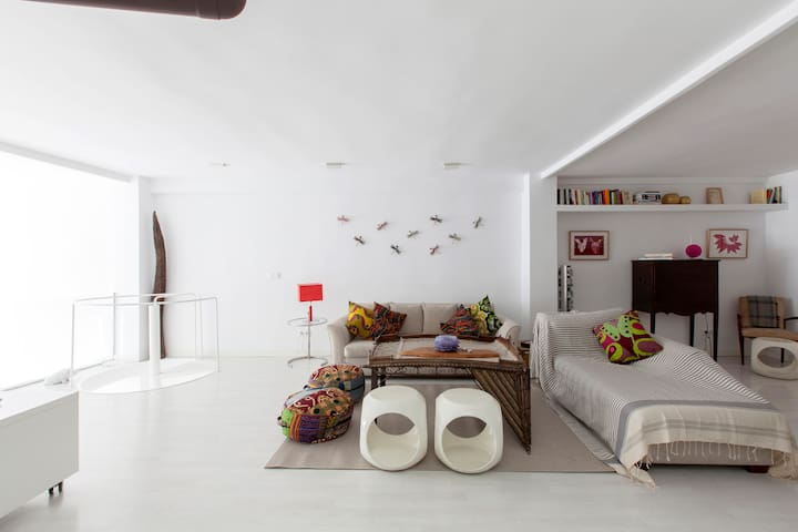 ~NEW~ INCREDIBLE LOFT IN THE CITY CENTER