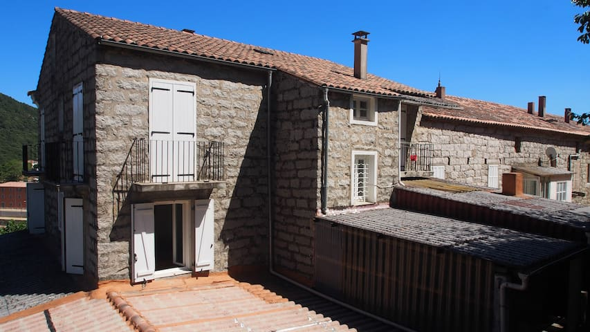 Maison traditionnelle Corse au coeur de Levie - Levie - Other