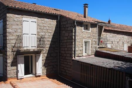 Maison traditionnelle Corse au coeur de Levie - Levie - อื่น ๆ