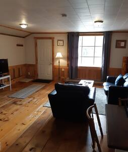 Stay in a 19th Century Algonquin Highlands house