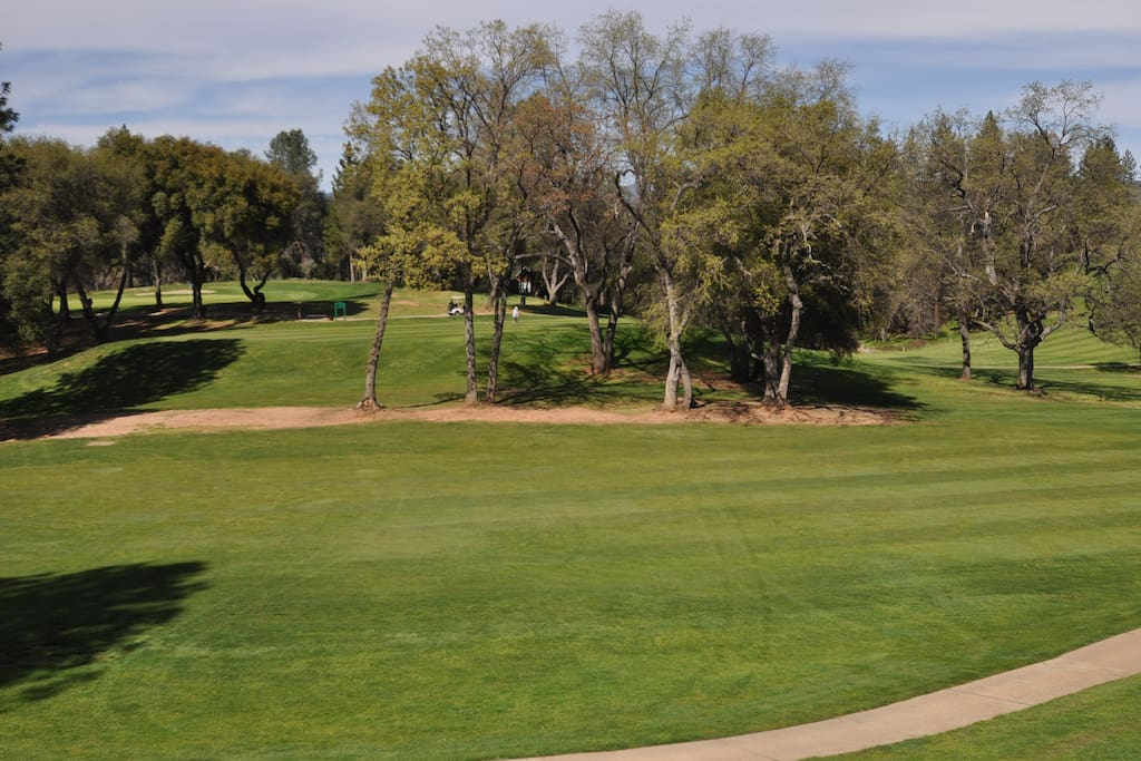 The Getaway. Golf Course View, Small Dog Friendly, Pine Mountain Lake Vacation Rental. Located just 25 miles from the entrance of Yosemite, Hwy 120 entrance.  Unti 5 Lot 197