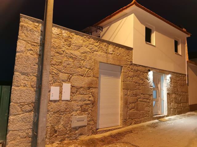 Casa a 3 km do centro de Arouca. 3 quartos+1suitr