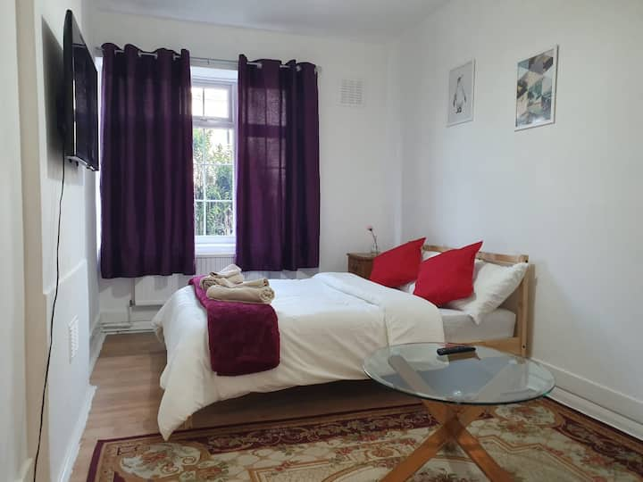 Large Double bedroom in Tooting