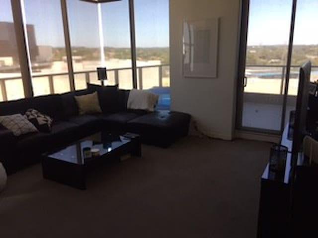 Two Bedroom Luxury Apartment - Glen Iris - Apartmen