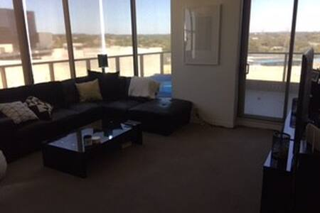 Two Bedroom Luxury Apartment - Glen Iris - Apartment