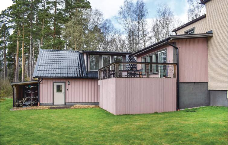 Holiday apartment with 2 bedrooms on 120m² in Orrefors