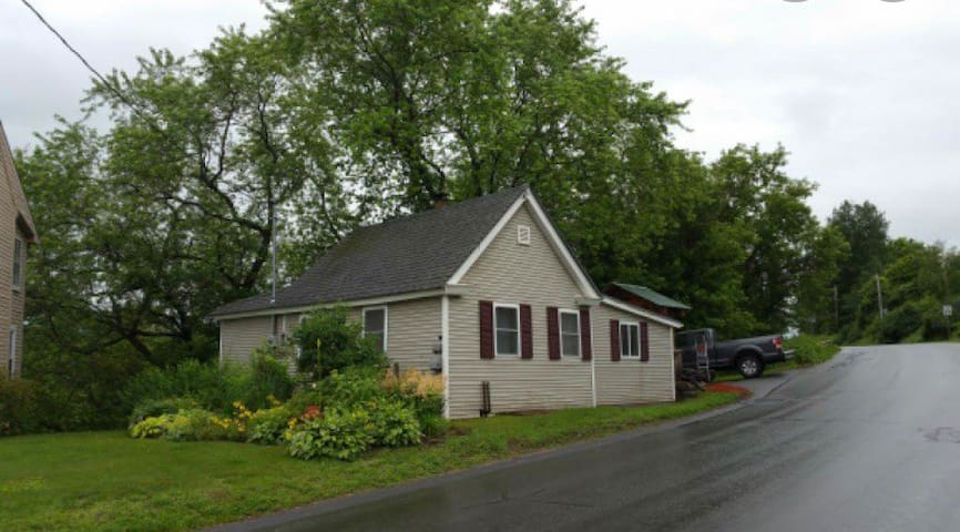 Lyndonville Cottage