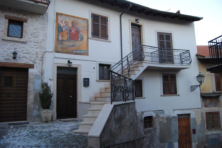 Casa per br.p. Scurcola Marsicana - Scurcola Marsicana - Apartamento