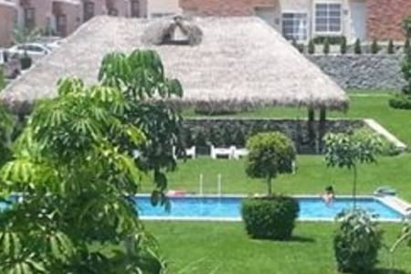 Private house with pool  Con pisina - Xochitepec