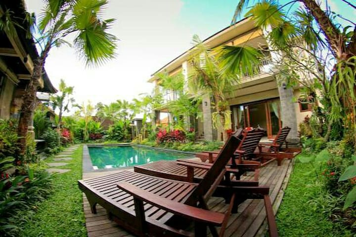 #2 Cahyatika B&B Ubud Superior Double Pool View
