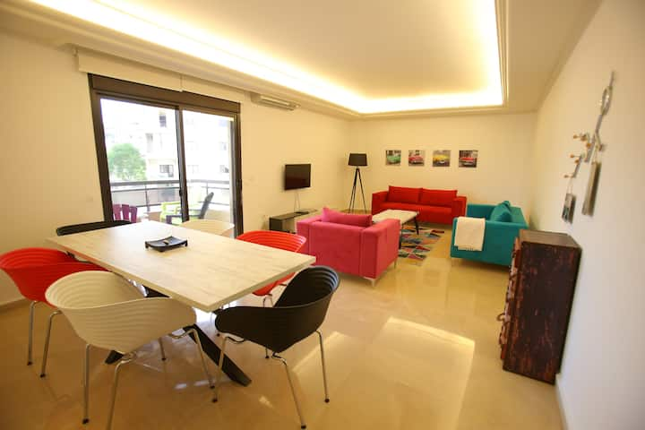 House of Colours, 3 BD, Modern, Bright & Spacious