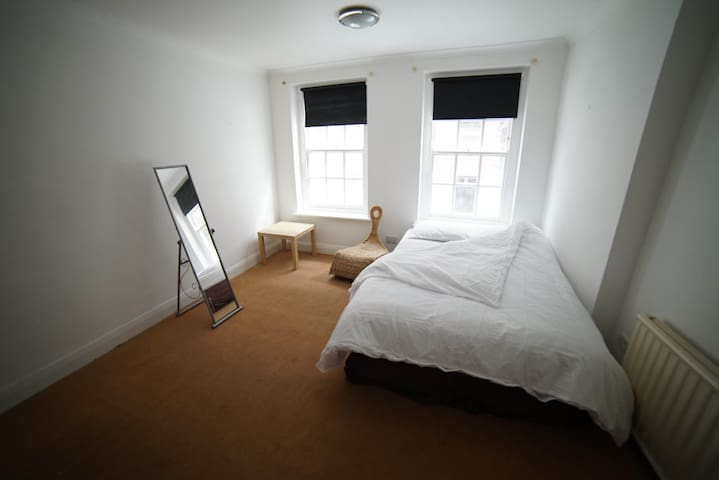 A first floor double room by Spitalfields market.