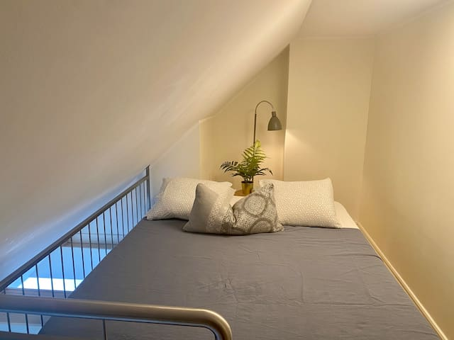 Second bedroom on the loft with a 160 cm bed.
