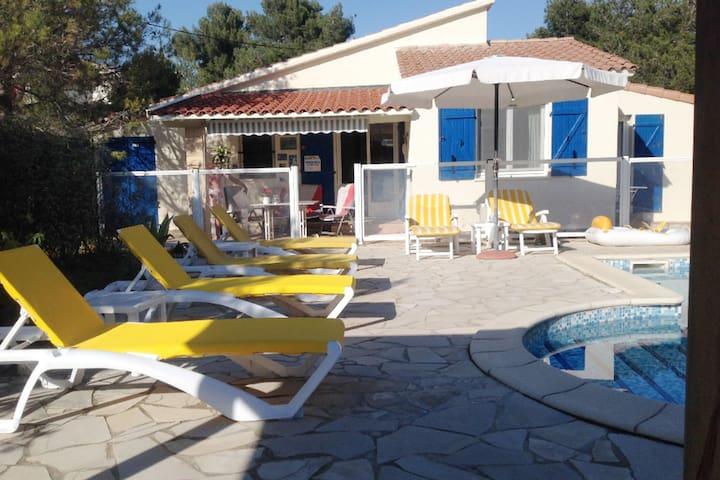 Pleasant Villa in Pouzols-Minervois with Private Pool